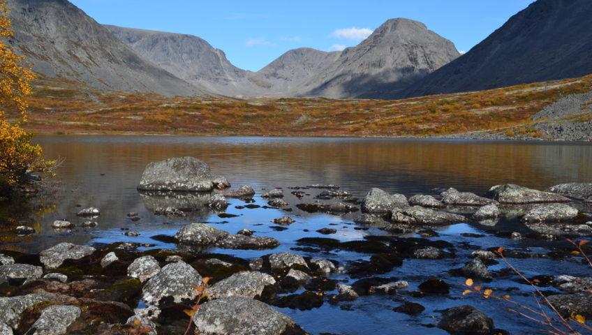 Озеро Тахтаръявр